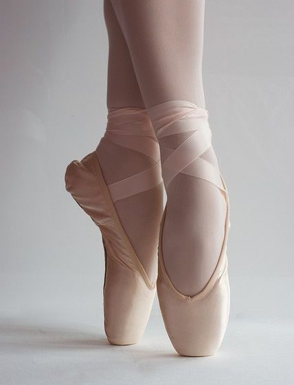Exerciții de balet pentru tonifiere, sursa foto: Pinterest - travelandbeauty.ro