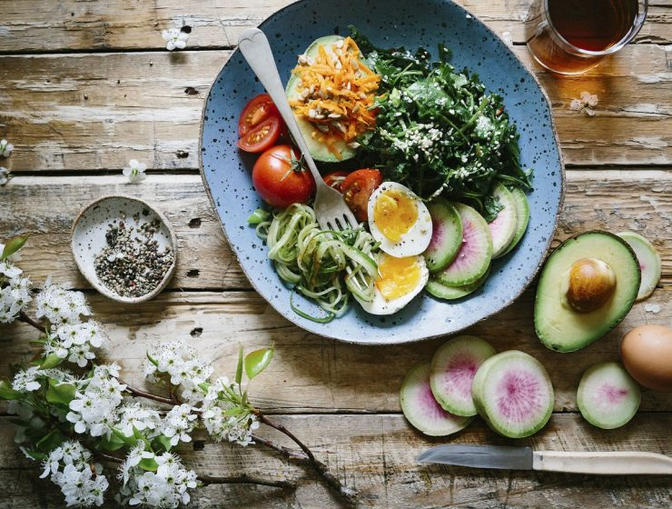 Cum să mănânci sănătos atunci când ieși în oraș - travelandbeauty.ro