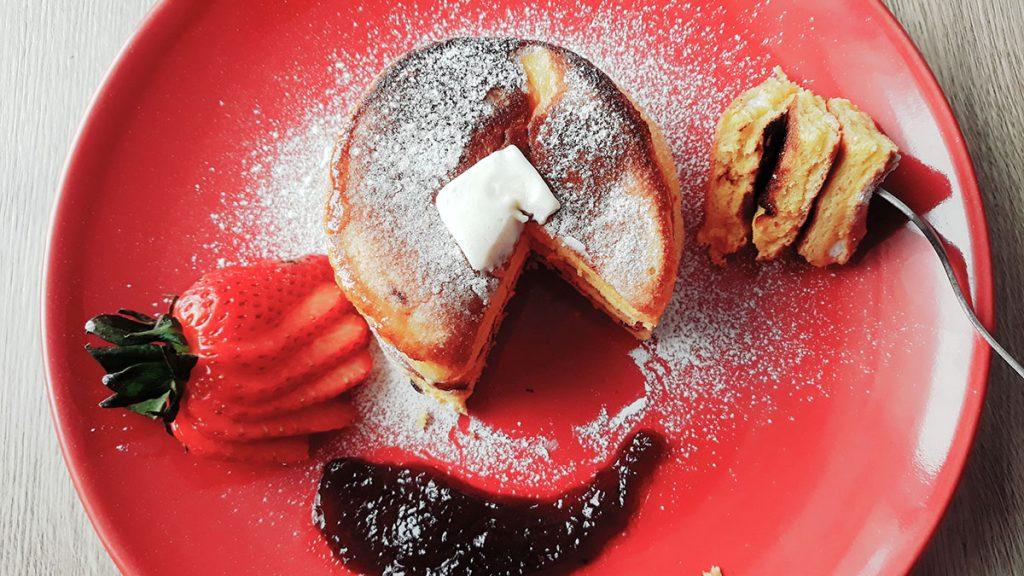 Pancakes mega-pufoase - travelandbeauty.ro